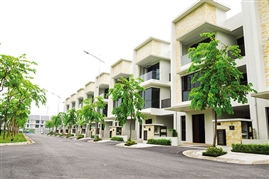 Subdivision of villas as high-end market downsizes